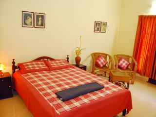 Charming 2 bedroom Bed and Breakfast in Alappuzha with Private Fishing - Alappuzha vacation rentals