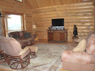 Perfect 4 bedroom Gardiner Lodge with Balcony - Gardiner vacation rentals
