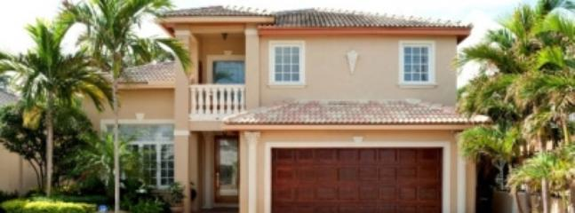 3 Bedroom Home with Pool in Fort Lauderdale - Image 1 - Fort Lauderdale - rentals