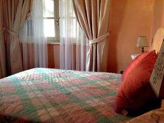 4 bedroom Villa with Internet Access in Piano di Mommio - Piano di Mommio vacation rentals
