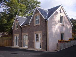 2 bedroom Cottage with Deck in Callander - Callander vacation rentals