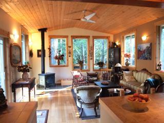 Nomadic Bull B&B - Cedar Room - Gabriola Island vacation rentals