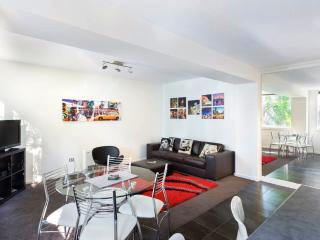 Bright 2 bedroom Apartment in Heidelberg with Internet Access - Heidelberg vacation rentals