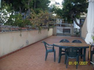 CASE VACANZE DI GIROLAMO - Pineto vacation rentals