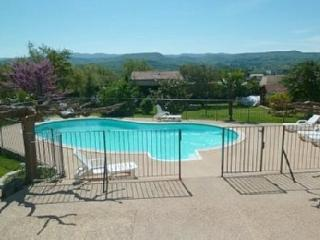 Nice Gite with Internet Access and A/C - Gargas vacation rentals