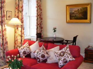 1 bedroom Apartment with Internet Access in Edinburgh - Edinburgh vacation rentals