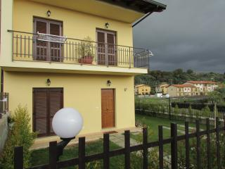 Comfortable 3 bedroom Gizzeria Lido Bed and Breakfast with Deck - Gizzeria Lido vacation rentals