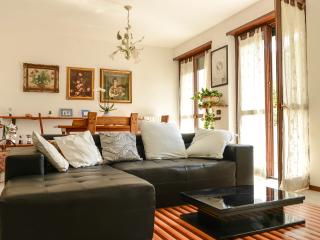bellissimo appartamento con 3 camere e giardino - Tirano vacation rentals