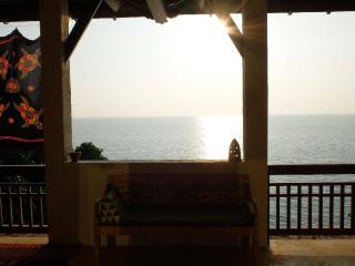 4 TURTLES HOUSE- Sea View for 6 - Ko Lanta vacation rentals