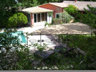 Charmille du Luberon B & B - Robion vacation rentals
