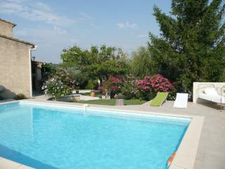 Nice Guest house with Internet Access and Central Heating - Buisson vacation rentals