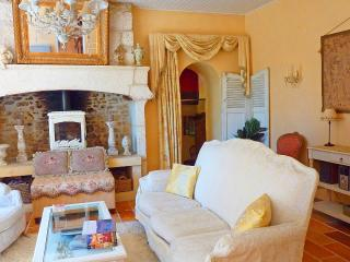 Charming Stone Farmhouse with Dordogne River View - Plazac vacation rentals