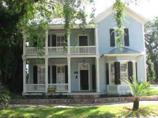 Grand Southern Victorian Home with Courtyard - Georgia Coast vacation rentals