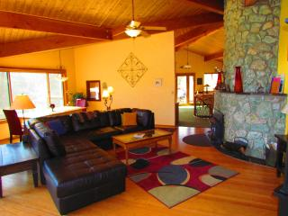 Yosemite Tree House - Solitude and Beauty~hot tub - Yosemite National Park vacation rentals