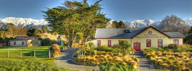Comfortable Condo with Internet Access and Microwave - Kaikoura vacation rentals