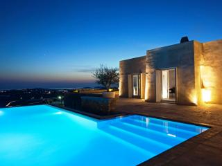 Minimal Perfection - Mykonos Town vacation rentals