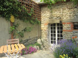 Charming Gites / Apts near Bagneres de bigorre - Trebons vacation rentals