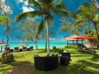 Cozy 3 bedroom Belle Mare Villa with Internet Access - Belle Mare vacation rentals