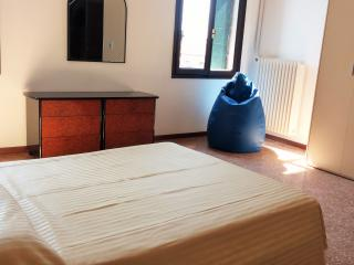 Charming flat with channel view - Venice vacation rentals