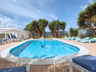 4 bedroom Villa with Internet Access in Santa Agnes de Corona - Santa Agnes de Corona vacation rentals