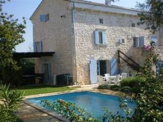 Nice 5 bedroom House in Sveti Lovrec - Sveti Lovrec vacation rentals