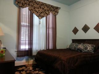 Historic 1 Bedroom Near Hospitals - Spokane vacation rentals