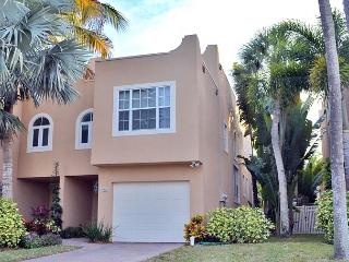 Siesta Key Village Townhome with Heated Pool and Walking Distance to Beaches - Siesta Key vacation rentals