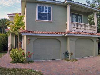 Well appointed canal front home - Siesta Key vacation rentals
