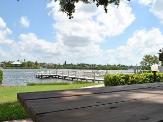 Tropical landscape, easy access, affordable rates. - Siesta Key vacation rentals