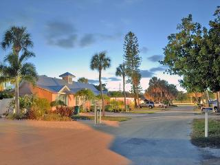 Walk to beach vacation rental on Anna Maria Island - Siesta Key vacation rentals