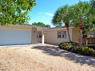 A 3 suite home with pool and plenty of room. - Siesta Key vacation rentals