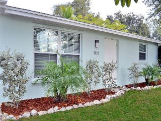 2 bedroom condo with easy beach access - Siesta Key vacation rentals