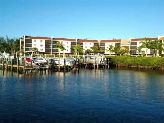 Nice Condo with Deck and Internet Access - Bonita Springs vacation rentals