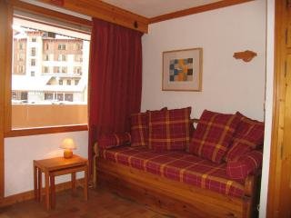 Comfortable Condo with Balcony and Central Heating - Pralognan-la-Vanoise vacation rentals