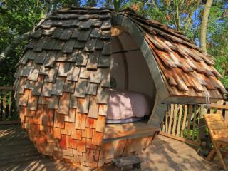 LOV'NID PERCHE MIRA + roulotte - Brioux-sur-Boutonne vacation rentals