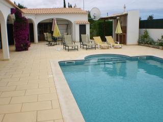 Perfect 3 bedroom Villa in Monte Juntos with Internet Access - Monte Juntos vacation rentals
