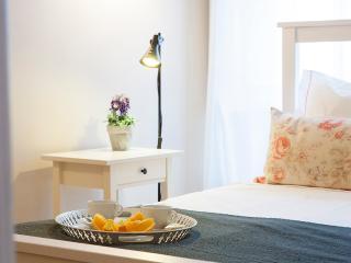Cozy in Chiado II Apartment - Lisbon vacation rentals