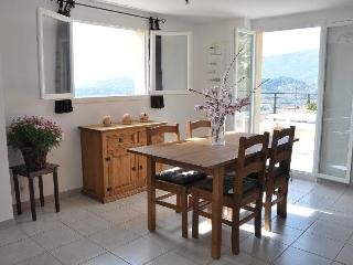 Romantic 1 bedroom Condo in Fayence with Internet Access - Fayence vacation rentals