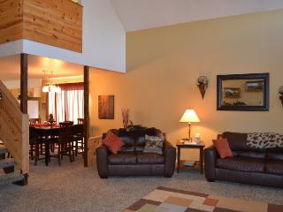 6bed+loft 3bath HOT TUB and Garage - Island Park vacation rentals