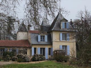 Chateau Riandaule - Flaujagues vacation rentals