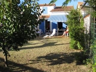 Petite villa à Saint Cyprien plage - Saint-Cyprien-Plage vacation rentals