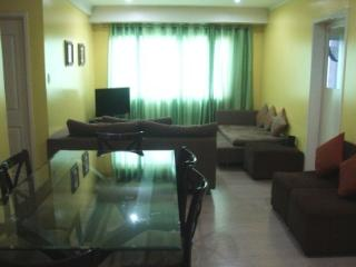 2B Furnished Condo in BGC - BEST SHORT TERM RATES - Taguig City vacation rentals