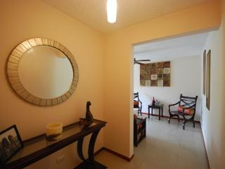 Lxuury Condo just 5 Minutes Walk to the Beach - Puntarenas vacation rentals