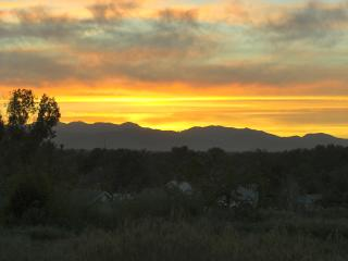 Spacious 1000 sq. ft. 1BR APT with Mountain Views - Arvada vacation rentals