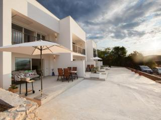 Duplex apartment with heated pool in Vis - Vis vacation rentals
