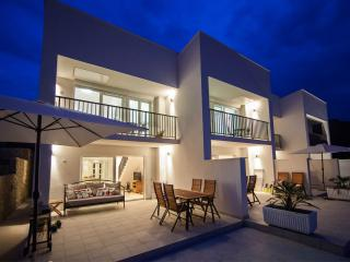 Deluxe terrace apartment with heated pool - Vis vacation rentals