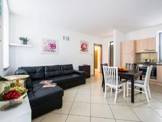 NEW CHARLESTON Apartment - Como vacation rentals