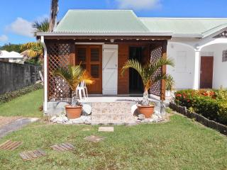 Charming, island-style house in Saint François, Guadeloupe, with colourful garden - Saint-François vacation rentals