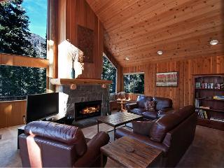 Alpine Darling - Alpine Meadows 2 BR + Loft w/ Hot Tub Sleeps 8 - From $250nt - Alpine Meadows vacation rentals