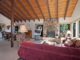 Lake Haven -  Spacious 4 BR w/ Lake Views & Sauna - Sleeps 9 - Dollar Point vacation rentals